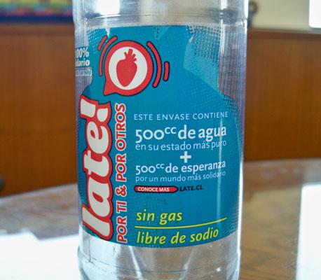Botella de Agua Late que se consigue en Chile